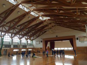 体育館は基礎など一部鉄筋コンクリート造